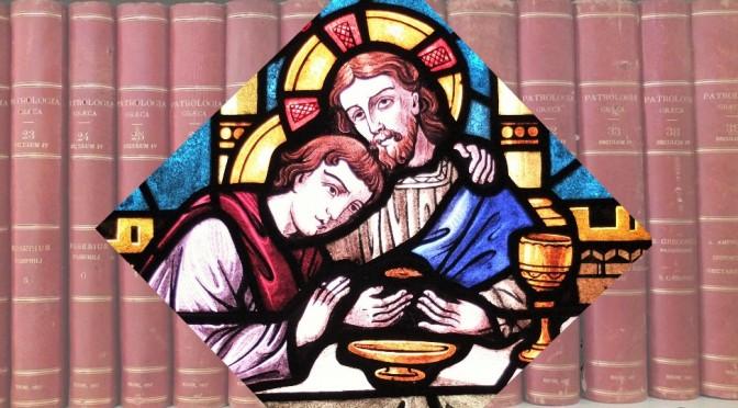 vitrail de St Jean penché sur le côté de Jésus
